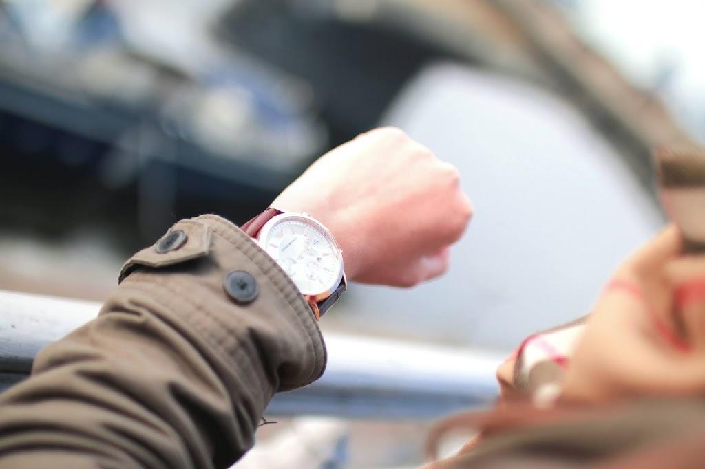 8 skutecznych sposobów na kolejki. Zarządź oczekiwaniem klientów.